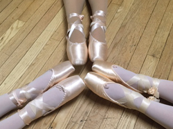 International Dance Day - En Pointe